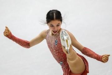 美国14岁华裔花滑少女是试管婴儿创跳动纪录父亲来自四川山村